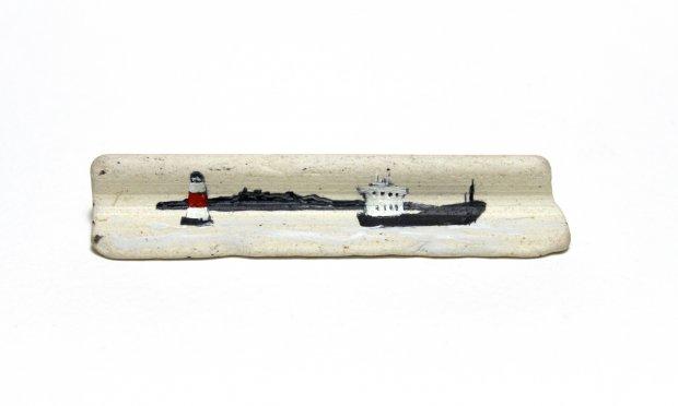 Inchcolm island, 1.3x7.5x1.4cm